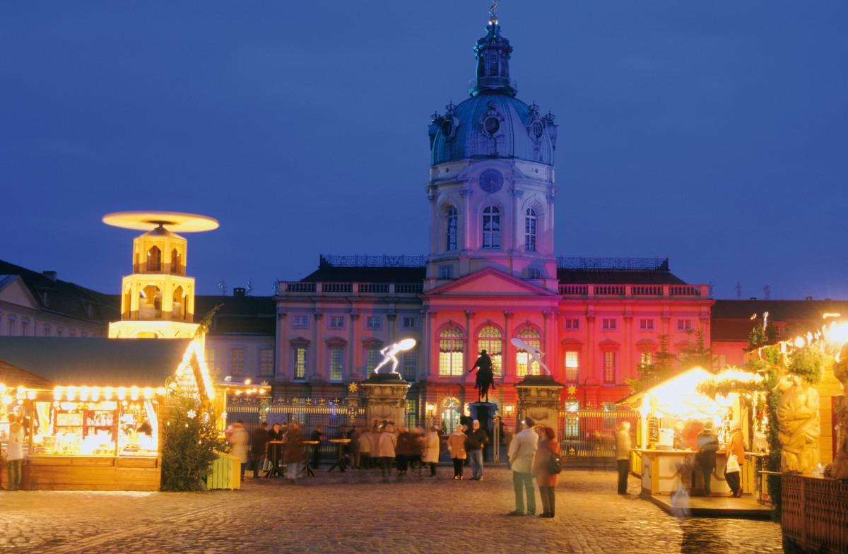 Berlin Fahrt Und Hotel