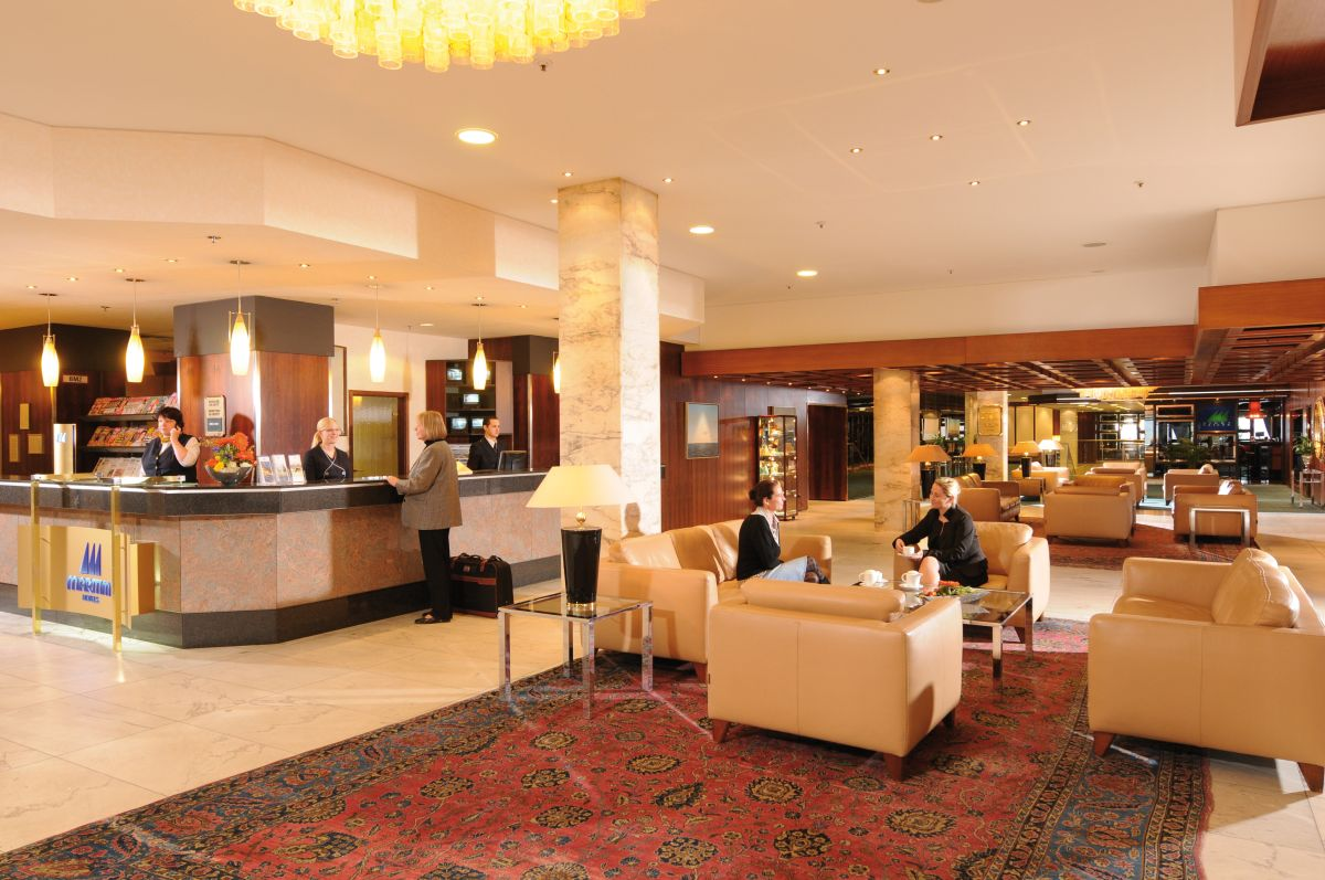 8 tage seniorenreise maritim strandhotel in travem nde. Black Bedroom Furniture Sets. Home Design Ideas